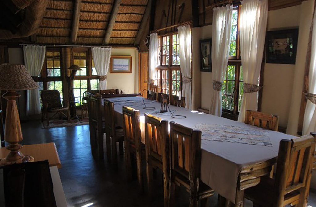 pvt hunting safaris south africa dining area